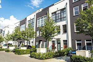 Choosing between Upper and Lower Apartments
