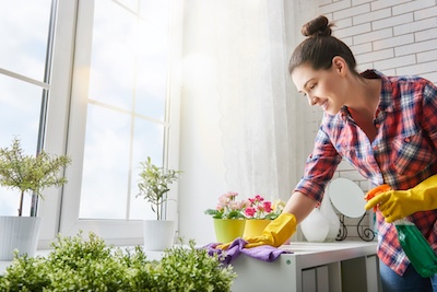 Tips-Tricks-Apartment-Spring-Cleaning.jpg
