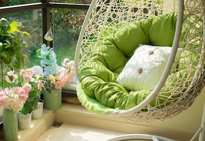Tips-Decorating-Outdoor-Balcony-Patio.jpg